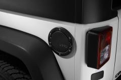 Satinierter Tankdeckel mit Jeep-Logo.