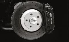 Schwarze Bremssättel für Vorder- und Hinterradbremsen für Alfa Romeo 4C