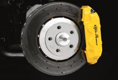 Gelbe Bremssättel für Vorder- und Hinterradbremsen Alfa Romeo 4C